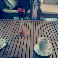 2/8/2013 tarihinde Azime A.ziyaretçi tarafından Maviyel Cafe'de çekilen fotoğraf
