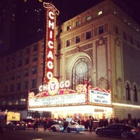 Foto tirada no(a) The Chicago Theatre por Rachel C. em 3/23/2013