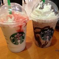 Foto tirada no(a) Starbucks por Giovanna ✌. em 5/26/2013
