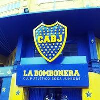 "Foto tirada no(a) Estadio Alberto J. Armando ""La Bombonera"" (Boca Juniors) por Fabio C. em 8/3/2013"