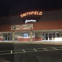 Photo taken at Smithfield 10 Theatre by Qing P. on 11/28/2016