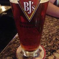 Photo taken at BJ's Restaurant and Brewhouse by jorge i. on 6/2/2013
