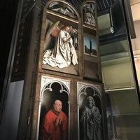 Photo taken at Ghent Altarpiece (Adoration of the Mystic Lamb) by Roel C. on 5/20/2017