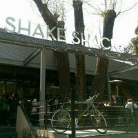 Photo taken at Shake Shack by Ryo on 4/12/2016