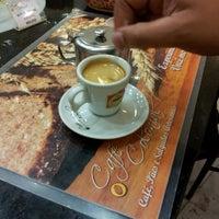 Foto diambil di Café Colonial oleh Max S. pada 10/9/2012