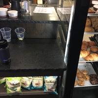Снимок сделан в Specialty's Café & Bakery пользователем Sylvie 1/14/2018