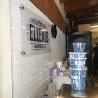Foto scattata a Ellenos Real Greek Yogurt da Sylvie il 8/10/2018