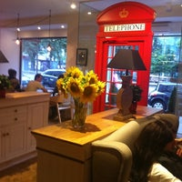 Снимок сделан в Кофейный дом LONDON пользователем Philip🐘 7/21/2013