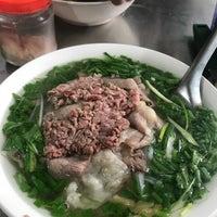 Das Foto wurde bei Phở Thìn Bờ Hồ von Shannon C. am 2/3/2018 aufgenommen