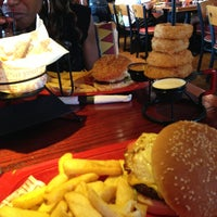 Photo taken at Red Robin Gourmet Burgers by Ein O. on 6/23/2013