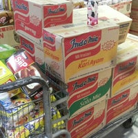Photo taken at LotteMart Wholesale by Jessica L. on 4/26/2015
