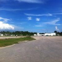 Das Foto wurde bei Aeropuerto Cupul von Eduardo G. am 9/19/2012 aufgenommen