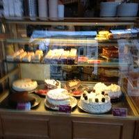 Das Foto wurde bei Cafe MAY von Benny P. am 2/3/2013 aufgenommen