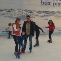 Photo taken at Icessporto Buz Pisti by 💛💙Soner A. on 1/31/2017