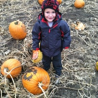 Photo taken at Sleepy Hollow Pumpkin Farm by Paula on 10/21/2012