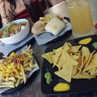 Photo taken at 100 Montaditos by Carlos G. on 8/6/2014