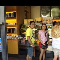 Photo taken at Starbucks 星巴克 by Jhay ar on 9/16/2012