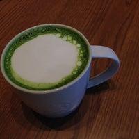 Photo taken at Starbucks by Hironobu F. on 11/17/2013
