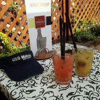 5/1/2013 tarihinde Lilla V.ziyaretçi tarafından Nonloso Caffé & Bar'de çekilen fotoğraf
