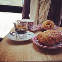 Снимок сделан в La Colombe Coffee Roasters пользователем Andrew 2/8/2014