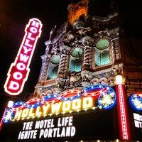 11/15/2013 tarihinde Eddie B.ziyaretçi tarafından Hollywood Theatre'de çekilen fotoğraf