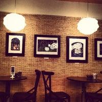 5/20/2013 tarihinde MMMMeenalziyaretçi tarafından Denizen Coffee'de çekilen fotoğraf