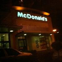 Foto tirada no(a) McDonald's por Pierre Rocha em 10/7/2012