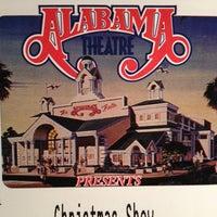 Foto scattata a Alabama Theatre da Julianne L. il 12/28/2012