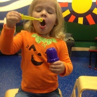 10/10/2012にJessica M.がWest Bloomfield Township Public Libraryで撮った写真