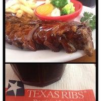 Foto diambil di Texas Ribs® oleh Andrea pada 3/29/2014