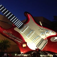 Photo taken at Rock 'N' Roller Coaster Starring Aerosmith by Andrew T. on 11/6/2012