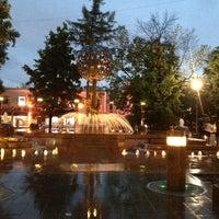 Снимок сделан в Фонтан-памятник «Адам и Ева под Райским деревом» пользователем Денис И. 5/23/2013