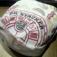 Foto tirada no(a) Burger King por Raquel F. em 11/27/2012