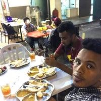 Photo taken at Restoran Nasi Kandar Di Noor by Saed M. on 5/16/2017