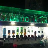 Photo prise au Le * B'XL * Bar d'Ixelles par Theo M. le10/17/2012