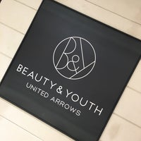 Photo taken at BEAUTY & YOUTH UNITED ARROWS なんば店 by リュウ on 7/14/2017
