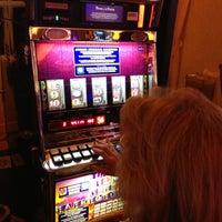 Foto tirada no(a) Casino del Hipódromo de Palermo por Sebastian D. em 2/24/2013