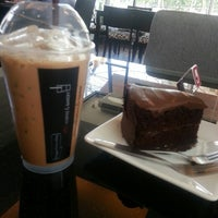 Photo taken at Sarin coffee shop by ภานิชา อ. on 5/21/2014