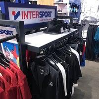 รูปภาพถ่ายที่ Intersport โดย Iskender Ö. เมื่อ 4/17/2018
