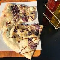 4/10/2018 tarihinde Patrick W.ziyaretçi tarafından Pazzi X Pizza'de çekilen fotoğraf
