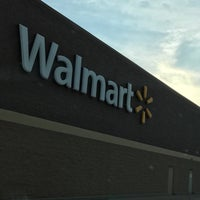 Photo taken at Walmart Supercenter by Livia P. on 4/15/2017