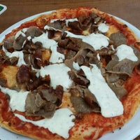 Photo prise au City Pizza & Kebap par Tayfun S. le6/17/2015