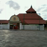 Photo taken at Masjid Gedhe Kauman by noviana a. on 1/9/2013