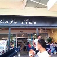 10/7/2012 tarihinde Hakan Y.ziyaretçi tarafından Cafe Time'de çekilen fotoğraf