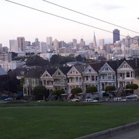 Photo prise au Alamo Square par Fernando A. le4/26/2013