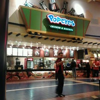 Photo taken at Popeye's by Rafael S. on 12/12/2012