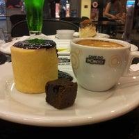 Photo taken at Café do Ponto by Marcelo I. on 1/9/2013