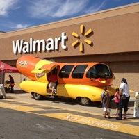 Photo taken at Walmart Supercenter by Lee on 10/4/2012