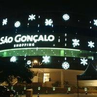 Foto tirada no(a) São Gonçalo Shopping por Nilson A. em 1/9/2013
