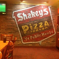 Photo taken at Shakey's Pizza Parlor by Rich V. on 3/24/2013